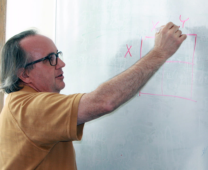 With NSF funding, UCI economist conducts lab experiments on outcomes of monetary policies