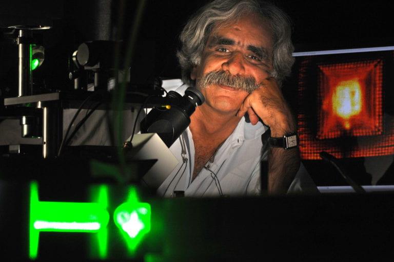 UCI scientists push microscopy to sub-molecular resolution