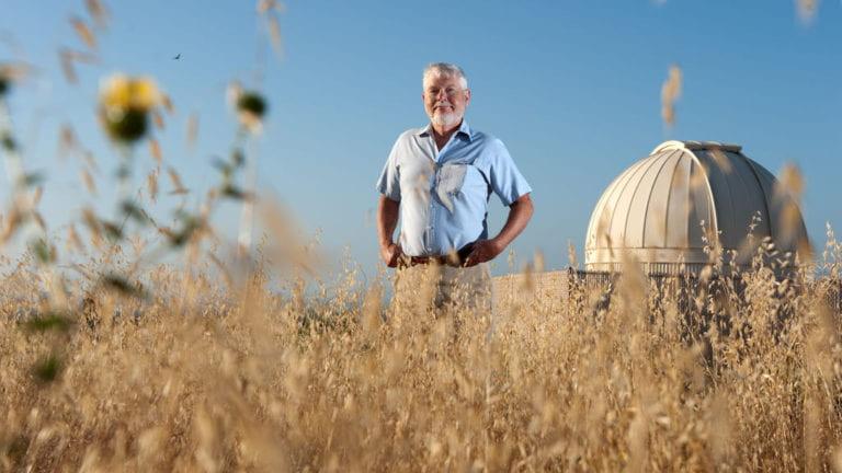 Professor emeritus of physics & astronomy receives Heinlein Award for science fiction