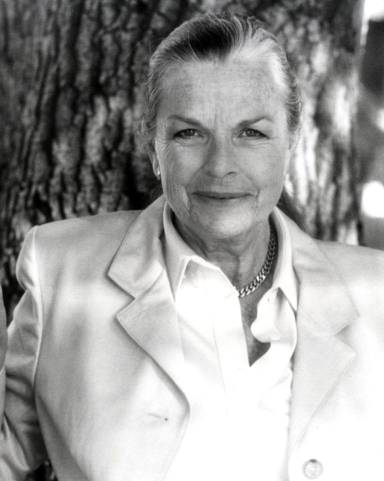Joan Irvine Smith passes away