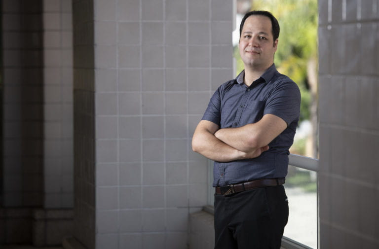 UCI biochip innovation combines AI and nanoparticle printing for cancer cell analysis