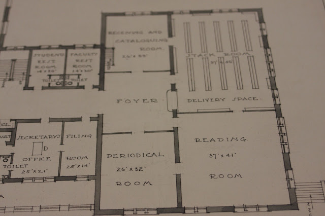 We know from pictures that a fireplace was also included in the library, but it is not detailed in this plan.
