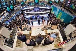 640px-Director_Petraeus_rings_opening_bell_at_NY_Stock_Exchange_-_Flickr_-_The_Central_Intelligence_Agency