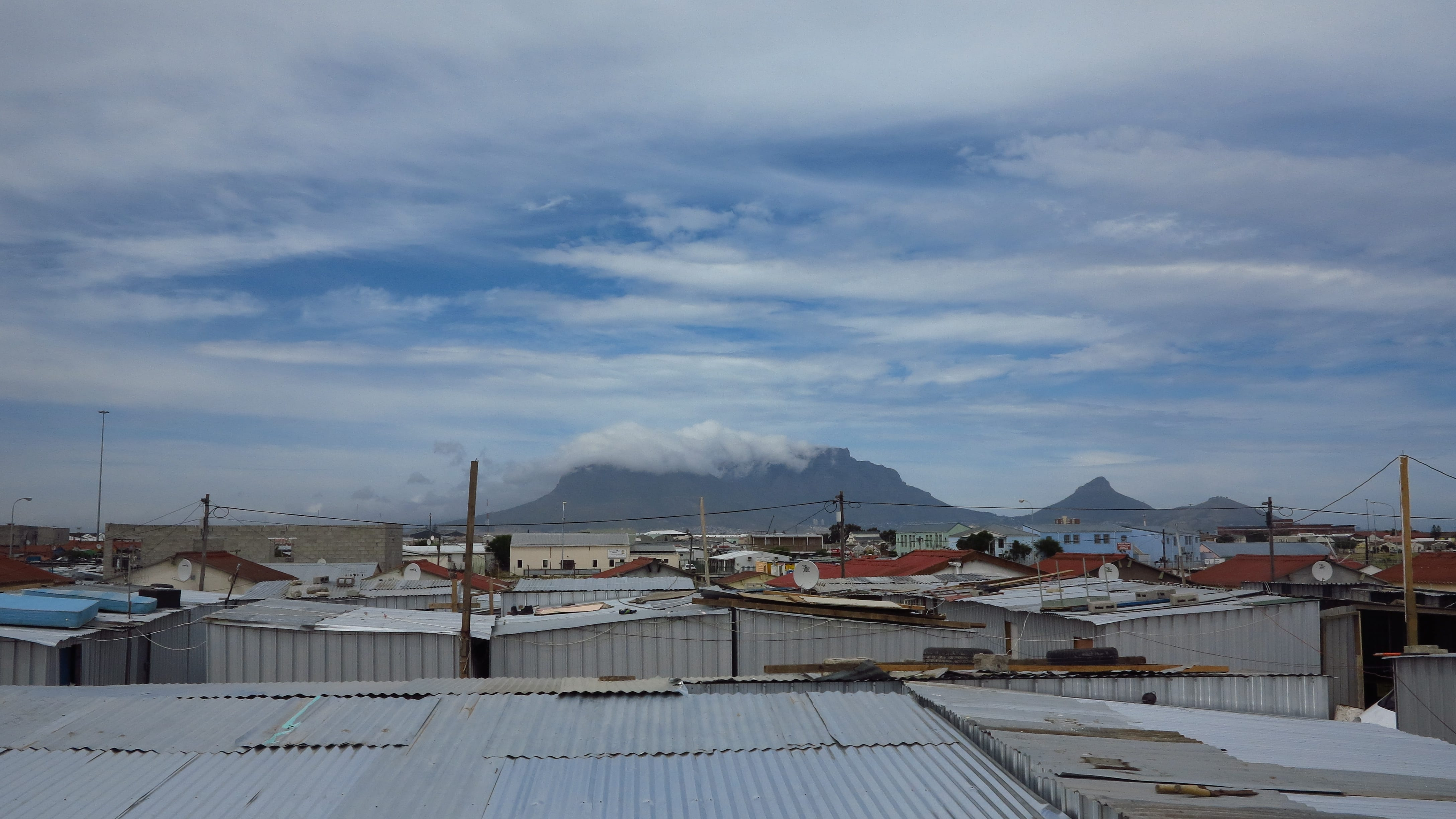 Rooftop view of Mtshini Wam with Table Mountain in the background. 07142104522a