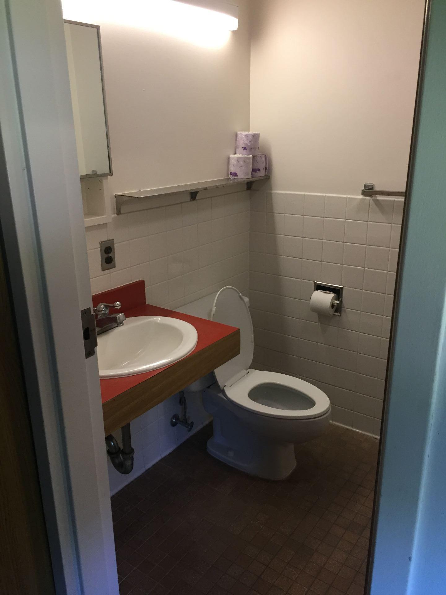 Franklin Bathroom