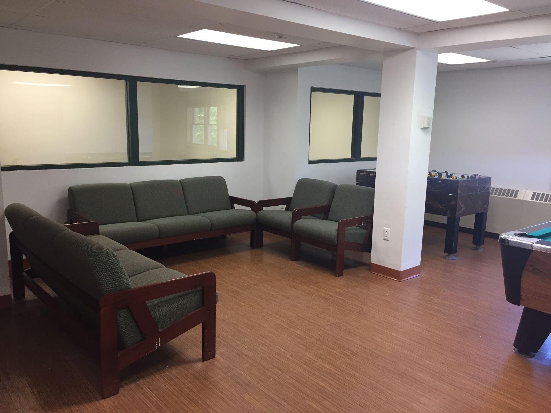 Saratoga Lounge