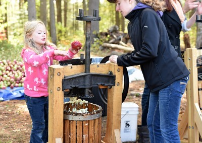 apple pressing at the Homestead Fest