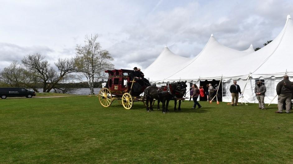 carriage-28a6trq
